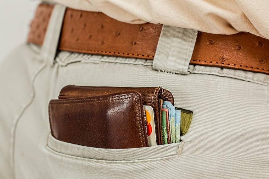 hand-man-leather-travel-male-money-brown-bag-shopping-handbag-wallet-brand-cash-belt-textile-purse-currency-rich-payment-strap-pocket-poor-wealth-consumer-pickpocket-credit-card-pay-paying.jpg